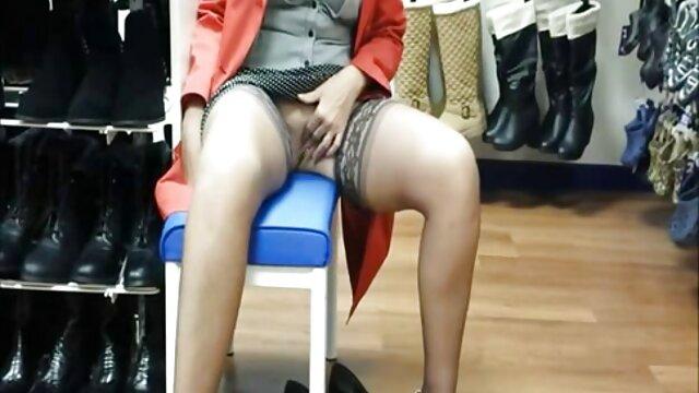 XXX nessuna registrazione  Ama videogratislesbiche la striscia Rey e masturbarsi la vagina.